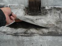 防水層の膨らみ